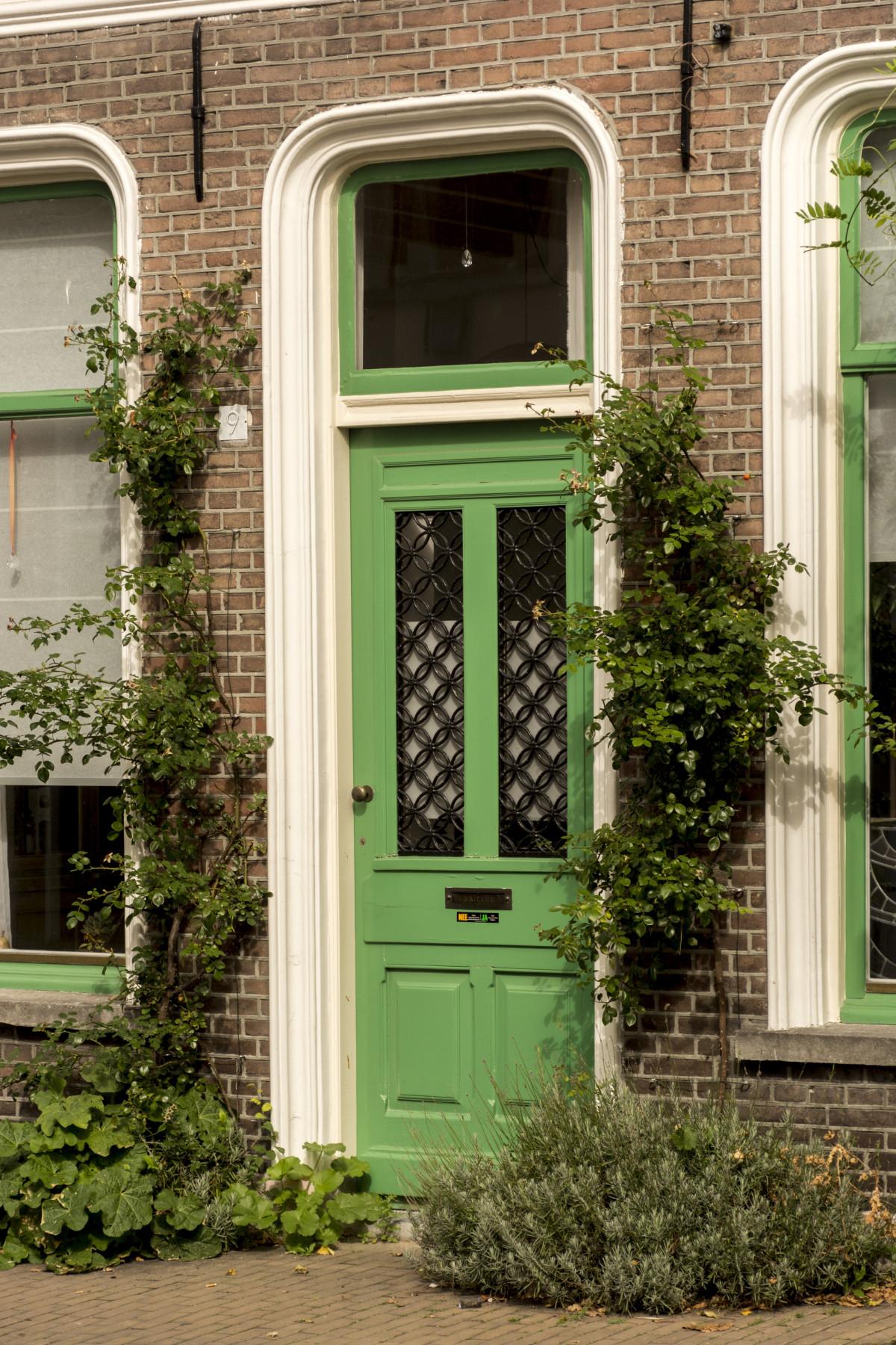 Fotos gratis arquitectura madera c sped casa porche for Jardin al aire libre de madera deco